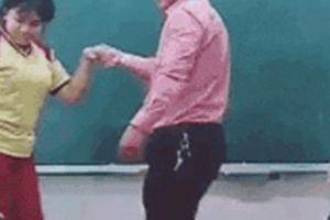 Màn khiêu vũ cực yêu của thầy trò trên bục giảng