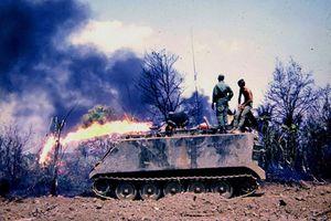 Hình độc 'quái vật phun lửa' thời chiến tranh Việt Nam