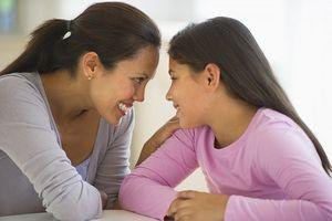 Mách cha mẹ bí quyết làm bạn với con tuổi teen