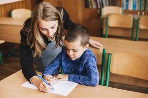 Trẻ em ít đọc, viết có thể khiến 'sức khỏe tâm thần' tệ hơn