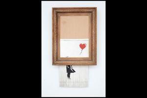 Họa sĩ Banksy không phá hủy bức tranh 32 tỉ đồng