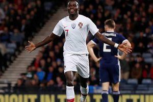 Chẳng cần Ronaldo, dàn sao trẻ Bồ Đào Nha vẫn dư sức ''làm gỏi'' Scotland