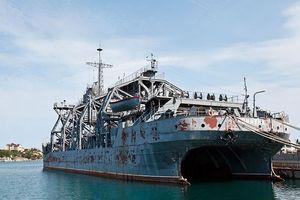 Huyền thoại 'khủng long' cứu hạm 103 tuổi của Nga chuẩn bị ra biển