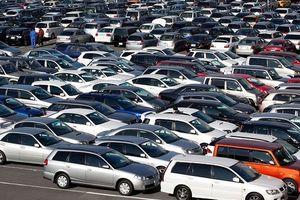 Thị trường ô tô tăng tốc dịp cuối năm