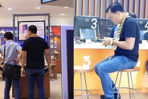 Đại gia đeo dây chuyền vàng to như sợi xích đến cửa hàng ĐTDĐ ở Sài Gòn