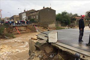 Tây Nam nước Pháp đột nhiên mưa lớn khủng khiếp, một đêm tương đương trung bình 3 tháng