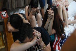 Bình Thuận: Cảnh sát đột kích bắt hàng chục đối tượng đang sử dụng ma túy