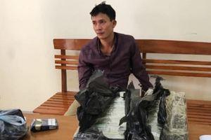 Tóm gọn 'ông trùm' ma túy khi đang trên đường vận chuyển 30 bánh heroin