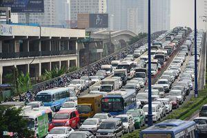 Toàn cảnh vụ sập giàn giáo trước hầm Thủ Thiêm khiến giao thông tê liệt nhiều giờ