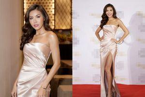 Minh Tú diện váy xẻ cao bất tận, khoe nhan sắc tựa nữ thần trước khi được 'xuất khẩu' quốc tế