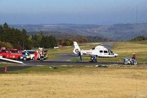 Máy bay mất kiểm soát lao vào đám đông, 11 người thương vong