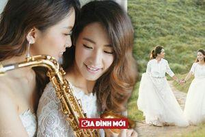 Bộ ảnh cưới 'mình yêu nhau bình yên thôi' tràn đầy hạnh phúc của cặp đồng tính nữ