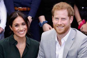 Công nương Meghan Markle mang thai con đầu lòng với Hoàng tử Harry
