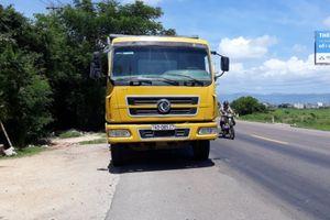 Bị tổ cân dừng xe, tài xế xe tải chống đối TTGT