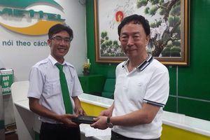 Khách nước ngoài bỏ quên tài sản hơn 100 triệu đồng trên taxi Mai Linh