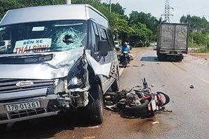 Xe khách va chạm với xe máy, 1 người tử vong