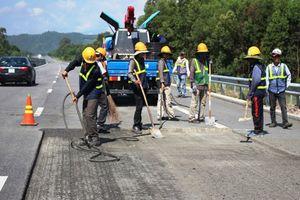 Khẩn trương sửa chữa tuyến cao tốc Đà Nẵng - Quảng Ngãi