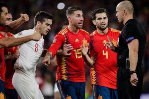 Ramos lại khiến sao Ngoại hạng Anh nằm sân bằng pha chơi xấu