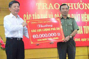 Khen thưởng nhiều người tham gia vụ bắt 300 kg ma túy đá
