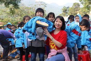 Thanh Hóa: Mang hơi ấm đến vùng cao Mường Chanh