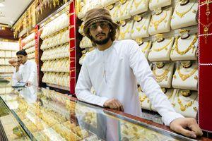 Choáng ngợp trước chợ vàng la liệt như rau ở Dubai, mỗi ngày giao dịch khoảng chục tấn