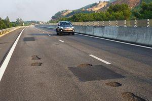Làm rõ trách nhiệm tập thể, cá nhân trong vụ hỏng mặt đường cao tốc