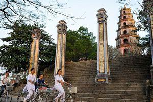 Chùa Việt Nam qua ống kính nhiếp ảnh gia Pháp