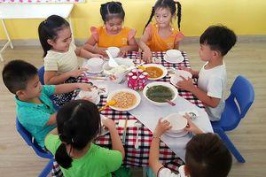 Chất lượng bữa ăn học đường: Tỷ lệ thuận với tâm của hiệu trưởng