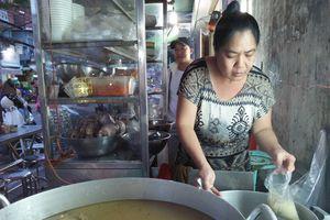 Cháo lòng 'cô chảnh' 36 năm ở Sài Gòn