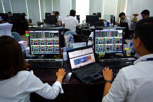 Sau phiên sụt giảm đầu tuần, cổ phiếu lại 'xanh mướt'