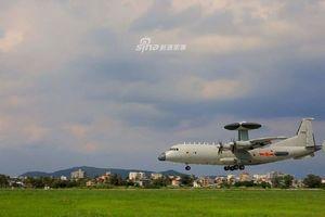 Trung Quốc khoe máy bay cảnh báo sớm và chỉ huy trên không KJ-500