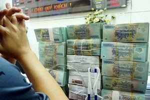 Tài chính 24h: Chuyên gia lý giải vì sao các ngân hàng lớn 'bạo tay' tăng lãi suất