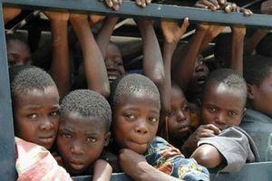 Rùng mình vấn nạn buôn bán trẻ em trên thế giới