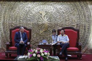 Tổng cục trưởng Nguyễn Văn Cẩn làm việc với Cơ quan Bảo vệ biên giới Anh