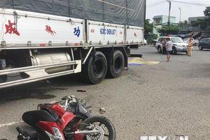 Ôtô tải va chạm với xe máy, 2 phụ nữ tử vong tại chỗ