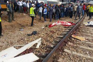 Tai nạn tàu hỏa kinh hoàng khiến hơn 100 người thương vong