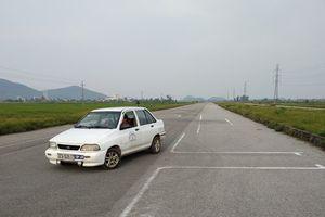 Nghệ An:Dự án đường trăm tỷ bỏ hoang, thành bãi tập lái xe ô tô