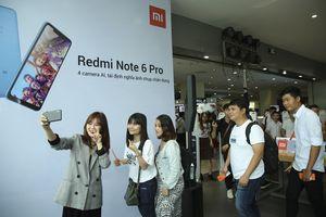 Xiaomi lập kỷ lục selfie trong vòng 3 phút với 133 tấm hình bằng Redmi Note 6 Pro