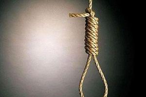 Bị bàn tán 'mãi chưa chịu lấy chồng', cô gái 28 tuổi treo cổ tự tử