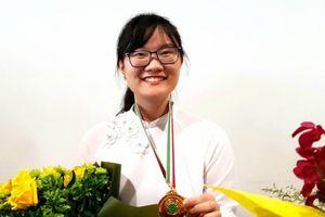 Thủ khoa Olympic Sinh học Quốc tế 2018 Nguyễn Phương Thảo được đề xuất tặng Huân chương Lao động hạng Ba