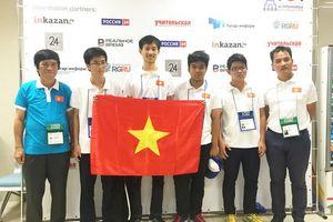 Đoạt 38 giải thi học sinh giỏi Olympic khu vực và quốc tế