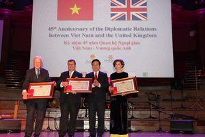 Vinh danh những đóng góp Facing the World vì trẻ em tại Việt Nam
