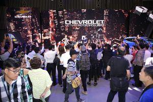 Nhiều hãng bung hàng dịp cuối năm, thị trường ô tô bắt đầu sôi động