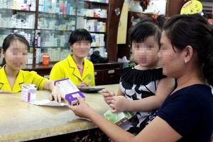 Bỏ quy định mua thuốc cho con phải khai số chứng minh nhân dân