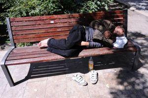 Hungary cấm người vô gia cư ngủ ngoài đường