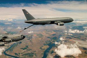 Không quân Mỹ mua thêm máy bay tiếp nhiên liệu để đối đầu Trung Quốc