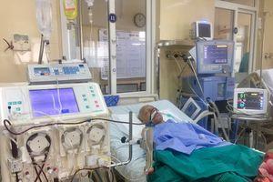Thay huyết tương cứu sống người đàn ông bị nhược cơ