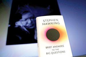 Ra mắt cuốn sách cuối cùng của Stephen Hawking