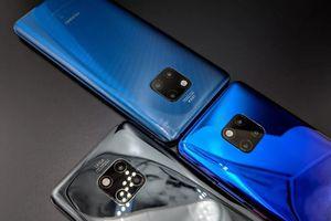 Huawei trình làng Mate 20 Pro có thể sạc không dây cho smartphone khác