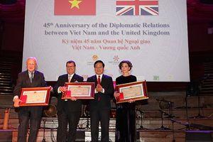 Việt Nam trao tặng Huân chương Hữu nghị cho Giám đốc điều hành Facing